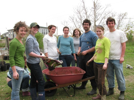Met Univ of Vermont students working on the bayou